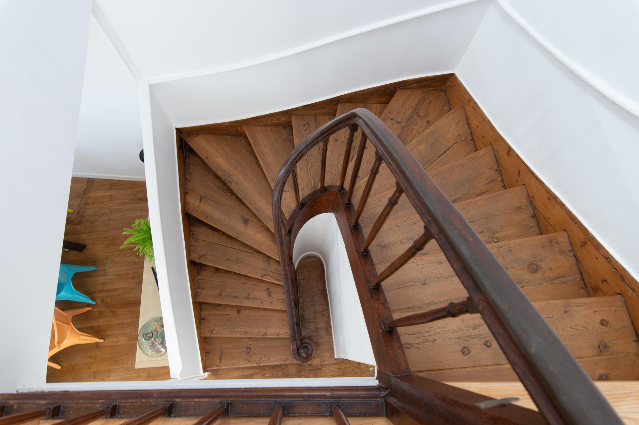 Escalier Dans Maison Ancienne renovation-amenagement-decoration-ameublement-agencement